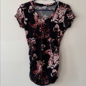 Floral v neck with ruching detail